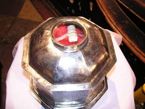 Relikwie św. Walentego w Kościele WNMP w Chełmnie - jest to kawałek czaszki świętego. Fot pl.wikipedia